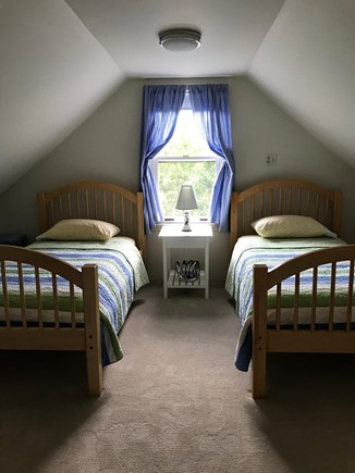 Brewster Cape Cod vacation rental - Twin bedroom attached to blue room.