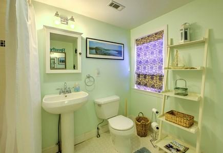 East Sandwich Cape Cod vacation rental - Full Bath.