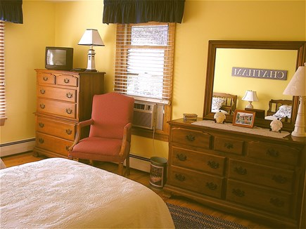 Chatham Cape Cod vacation rental - More Of The Yellow Room