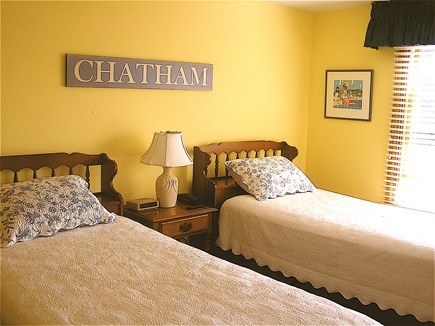 Chatham Cape Cod vacation rental - Ocean Facing Yellow Bedroom