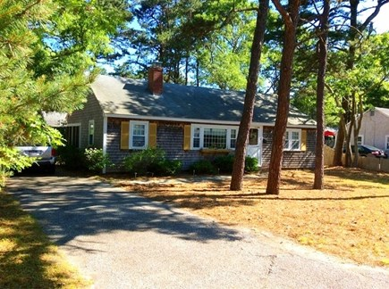 South Dennis Cape Cod vacation rental - 3 bedroom, 1 bath cottage in family friendly neighborhood