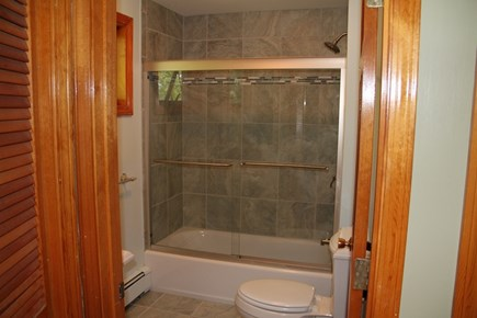 Wellfleet Cape Cod vacation rental - Middle floor Bath