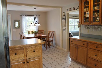 Eastham, near Coast Guard Beach, Eastha Cape Cod vacation rental - Eat-in kitchen