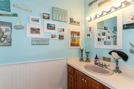 Dennis Cape Cod vacation rental - Other half bath