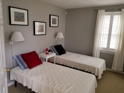 Mashpee, Popponesset Cape Cod vacation rental - Light and bright twin bedroom - 1st floor