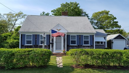 Hyannis Cape Cod vacation rental - Charming classic Cape bungalow, 3-minute walk to Sea Street Beach