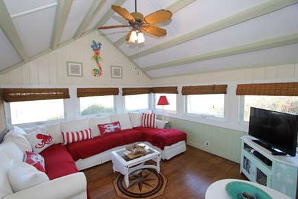Sagamore Beach, Sandwich Sagamore Beach vacation rental - Large family room with TV and comfy couches
