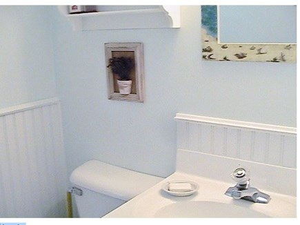Orleans on Crystal Lake, close Cape Cod vacation rental - Main Bathroom Fittings
