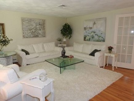 Centerville Centerville vacation rental - Spacious living room
