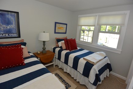 Mashpee, John's Pond Cape Cod vacation rental - Bedroom with twin beds