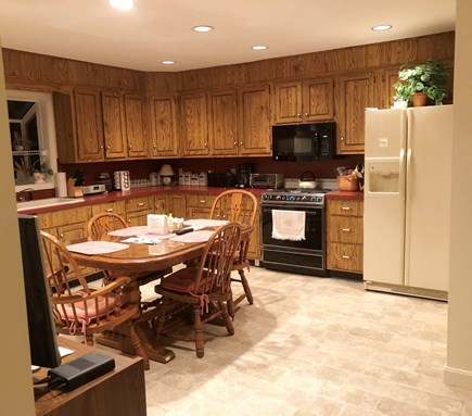 Cotuit, Barnstable Cotuit vacation rental - Spacious family kitchen.