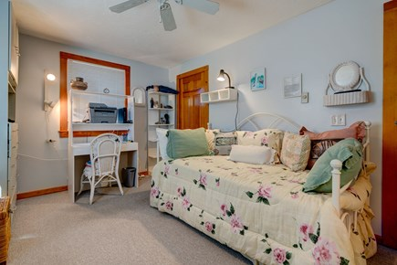 Provincetown Cape Cod vacation rental - Sleep in this artsy twin
