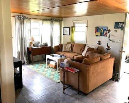 Plymouth MA vacation rental - Comfortable sitting area with Cable TV
