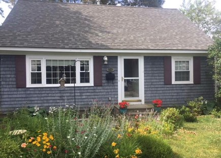 Falmouth Cape Cod vacation rental - Cape Style Home on Convenient Side Street off Maravista