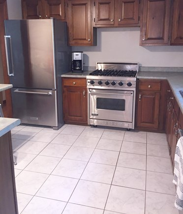 East Dennis Cape Cod vacation rental - Viking gas range