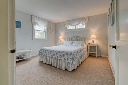 East Falmouth Cape Cod vacation rental - Luxurious bed