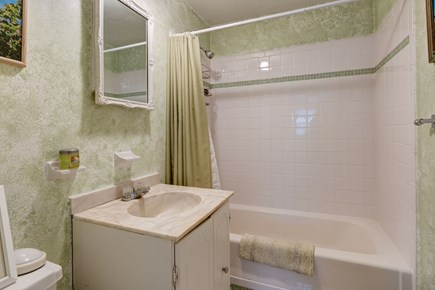 East Falmouth Cape Cod vacation rental - Refreshing shower