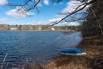 Barnstable, Forestdale Cape Cod vacation rental - Relax out on Weeks Pond