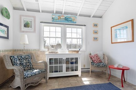 Manomet, White Horse Beach Manomet vacation rental - Light and bright living room area