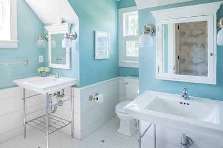 Chatham Cape Cod vacation rental - Large bathroom