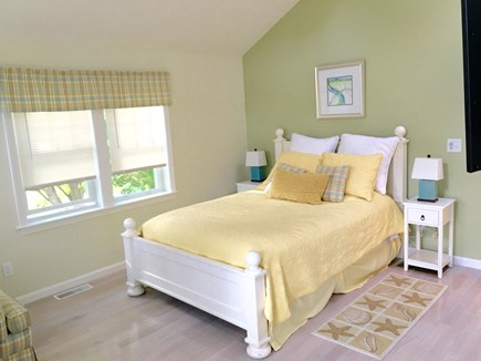Hyannis Cape Cod vacation rental - Upper level queen master