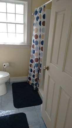 Wellfleet Cape Cod vacation rental - Full bath with washer and dryer behind the door