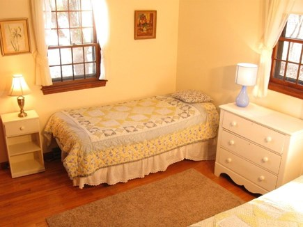 South Chatham Cape Cod vacation rental - Twin bedroom