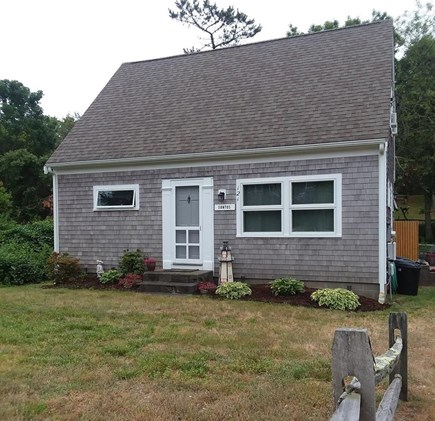 Wellfleet Cape Cod vacation rental - Front Yard and Entrance