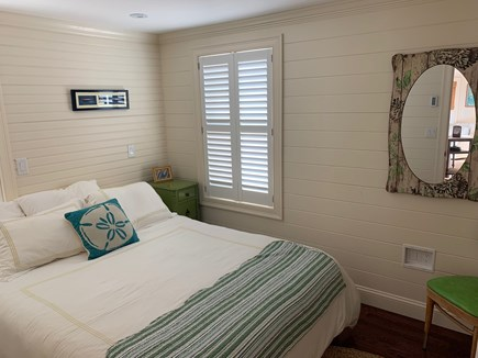 Plymouth MA vacation rental - Guest Bedroom with flat screen screen cable TV, Tempurpedic