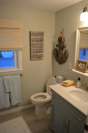Yarmouth Cape Cod vacation rental - 1st floor Full Bathroom
