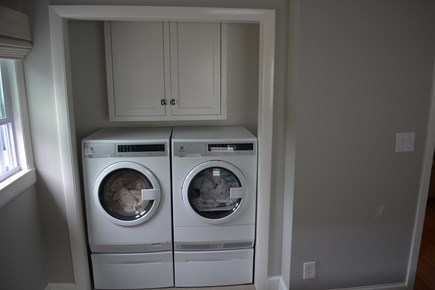 Yarmouth Cape Cod vacation rental - Front load laundry!