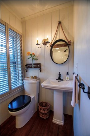 Plymouth Cultural District MA vacation rental - Modern conveniences with antique details