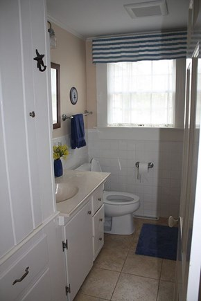 Chatham Cape Cod vacation rental - 1st Fl Bathroom with Tub/Shower Combo (also outdoor H&C shower)