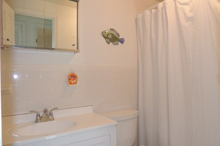 Harwich Port Cape Cod vacation rental - Second floor full bath