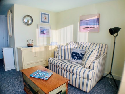 Chatham Cape Cod vacation rental - Twin pullout/reading nook
