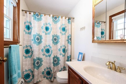 Falmouth, Old Silver Beach Cape Cod vacation rental - Master bathroom