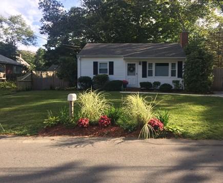 Plymouth, Priscilla Beach MA vacation rental - Front View of Captain's Cottage