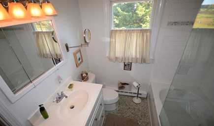Eastham Cape Cod vacation rental - Upper level full bath
