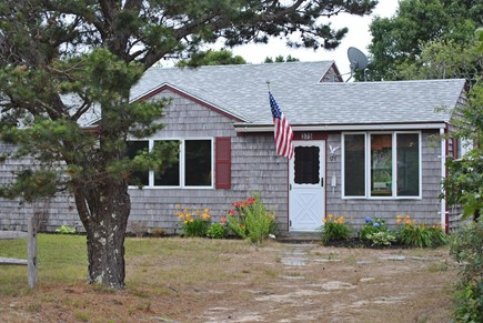 Eastham  Cape Cod vacation rental - Quaint cottage walking distance to private bayside beach