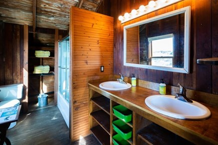 Truro Cape Cod vacation rental - Upper level full bath with tub/shower combo