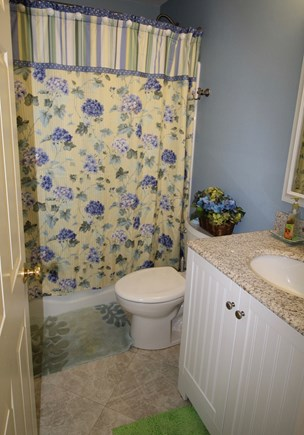 Truro Cape Cod vacation rental - First floor bath