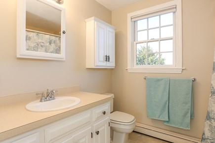 East Orleans - Barley Neck Cape Cod vacation rental - 2nd Floor Master Bath