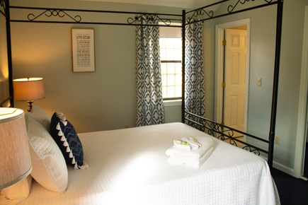 Hyannis Cape Cod vacation rental - Queen size bed