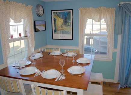 Hyannis Cape Cod vacation rental - Large family dining table