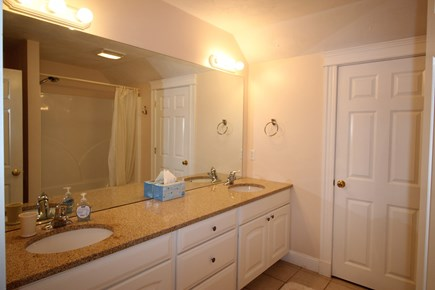 Truro Cape Cod vacation rental - Full bath