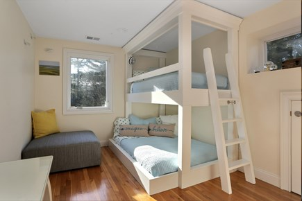 Marstons Mills, Near Osterville Marstons Mills vacation rental - Bunk Room.... Double bed on bottom... twin on top
