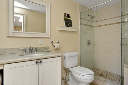Marstons Mills, Near Osterville Marstons Mills vacation rental - Master Bath 2