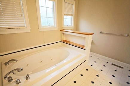 Mashpee/New Seabury New Seabury vacation rental - Jacuzzi Tub in First Floor Master Bedroom