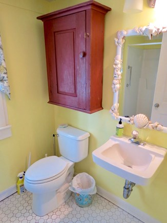 Brewster Cape Cod vacation rental - Full bath in main cottage