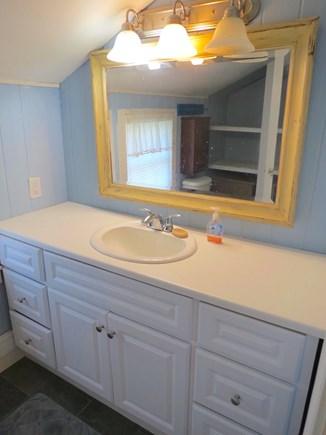 Brewster Cape Cod vacation rental - Bunk cottage full bath